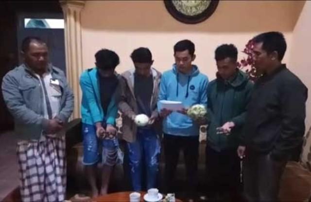 Photo of Setelah Viral Aksi Buang Kentang di Jalan, Pengojek Sayur Minta Maaf