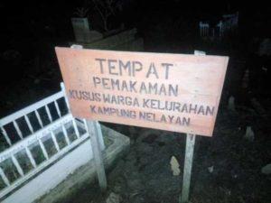 Tempat Pemakaman Warga Kampung Nelayan