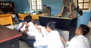 Pelajar di Batanghari terjaring razia Satpol-PP. (Serujambi.com)