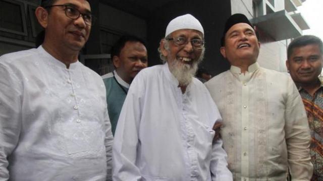Photo of PSI Sebut Yusril Rugikan Jokowi, Terkait Abu Bakar Baasyir