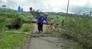 Dihantam Banjir Bandang, Jalan di Kayu Aro Kerinci Putus, 5 Desa Terisolir