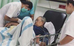 Mantan Bupati Batanghari Abdul Fattah saat menjalani perawatan. (ist)