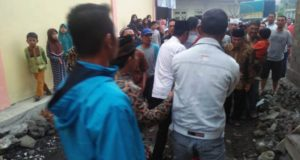 Oknum Kades Ditampar Pawasdes, Lantaran Diduga Ketahuan Bagi-bagi Amplop