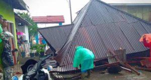 Hujan Lebat Disertai Agin, Satu Unit Rumah Warga Kumun Hilir Roboh