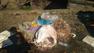 Sampah Menumpuk dan mebusuk di Pasar Bedeng 8 Kayu Aro