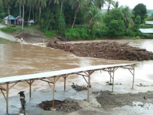 Banjir Hantam Jembatan Batang Asam Jujuhan Bungo