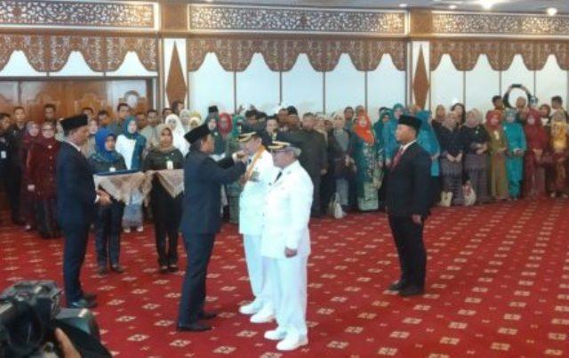 Gubernur Jambi Lantik Adirozal – Ami Taher Sebagai Bupati dan Wakil Bupati Kerinci