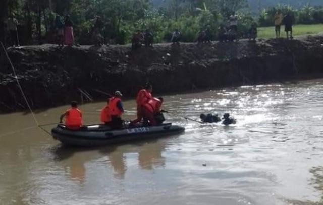 Tim SAR terus saat mencari Hafiz yang tenggelam di Sungai Batang Merao Semurup Kerinci