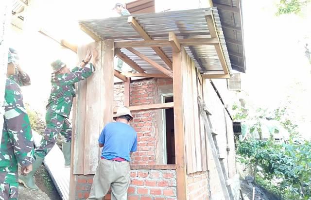 Rumah Agus Tak Lagi Berdinding Papan Setelah Direhap Satgas