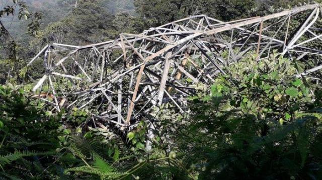 Kerinci Sungai Penuh Gelap Gulita, Sudah Dua Hari Tower SUTT di Muara Imat Roboh