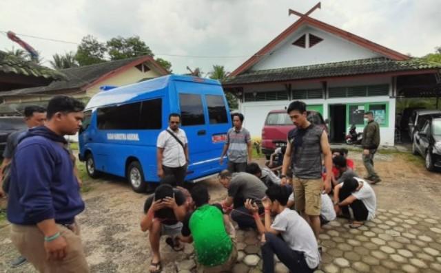 Gerebek Pulau Pandan, BNNP Amankan Sejumlah Orang