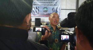 H. Tafyani Kasim saat diwawancara wartawan
