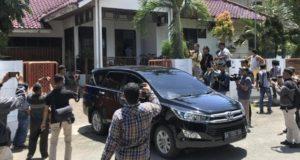 KPK Geledah Rumah Muzni Zakaria Bupati Solok Selatan Sumatra Barat