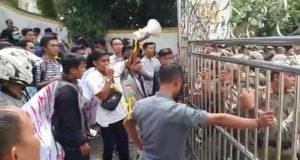 Mahasiswa dan Pemuda Demo di Kantor Bupati Merangin