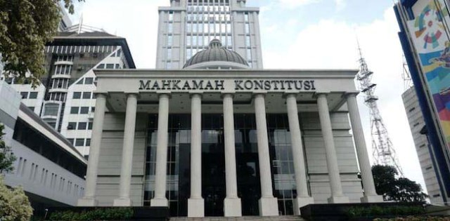 Makamah Konstitusi