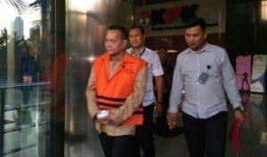 Anggota DPRD Jambi periode 2014-2019, Effendi Hatta usai diperiksa KPK hari ini (Foto: Antaranews)