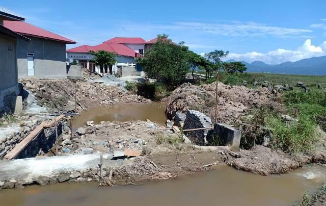 Proyek Irigasi Siluman di Tanjung Tanah