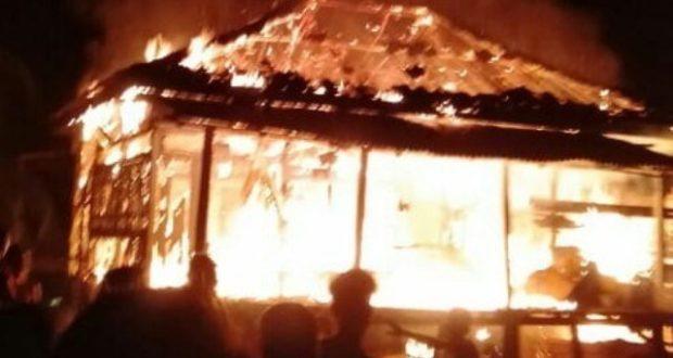 Api Lalap Motor dan Rumah Warga Sekernan