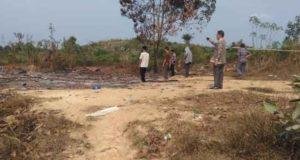 Rumah warga dibakar OTK, 20 KK terlantar di Distrik VIII WKS. Foto: Rian/Jambiseru.com