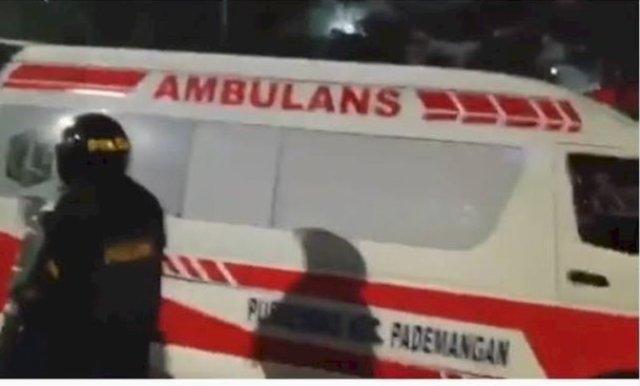 Photo of Ambulans DKI Bawa Batu, Anies: Saya Percaya Bertindak Sesuai SOP