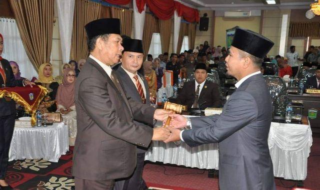 Photo of Fajran Dilantik Menjadi Ketua DPRD Sungai Penuh
