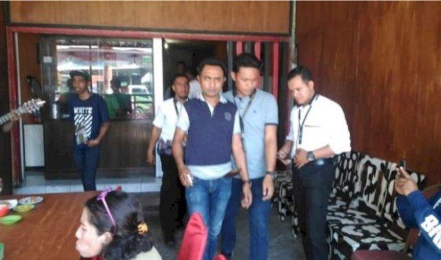 Photo of Gara-gara Tiduri Istri Orang! Anggota DPRD Baru Dilantik Dijebloskan ke Penjara