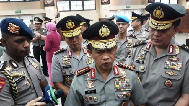 Photo of Presiden Jokowi Resmi Berhentikan Kapolri Jenderal Tito Karnavian
