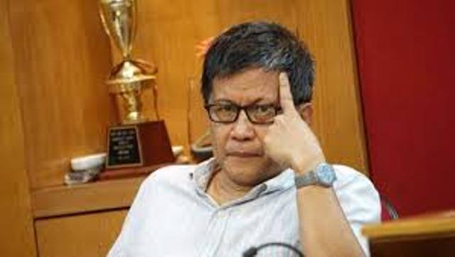 Photo of Pengamat Politik Rocky Gerung: Akun Twitter Saya Dicuri Si Dungu