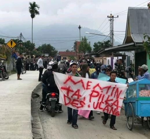 Tolak Hasil Pilkades Masyarakat Simpang Tiga Kembali Demo Kerinci Time