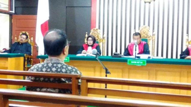 Photo of Asiang Terima Putusan Hakim 2,5 Tahun Penjara