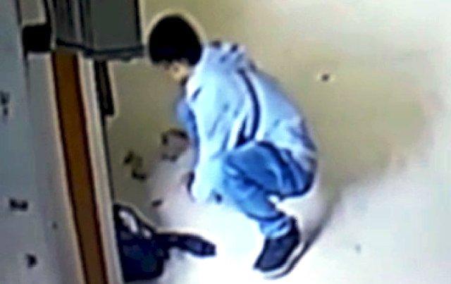 Photo of Aksi Pencuri Isi Kota Amal Terekam CCTV Masjid di Bungo Jambi