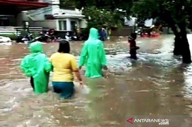 Photo of Petamburan Jakarta Pusat Dilanda Banjir