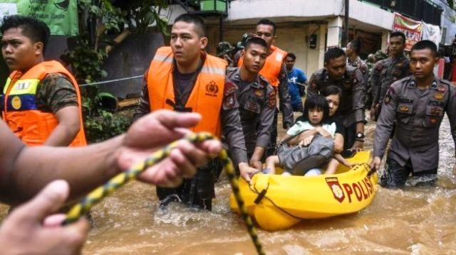 Photo of Info Terbaru Jumlah Korban Tewas Banjir Jakarta dan Jabodetabek 43 Orang