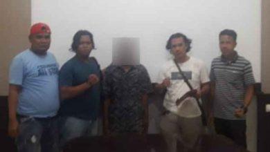 Photo of Di Muaro Jambi Ayah Ikat, Pukuli, Benturkan Badan, Lalu Perkosa Anak Tiri di Kebun Sawit