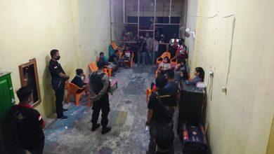 Photo of Cafe di Rimbo Bujang Tebo Digerebek Polisi Terkait Waspada Corona