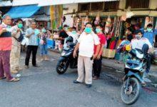 Photo of Pasar Kota Jambi Diserbu Komunitas Pecinta Cek Endra Bagi-bagi Masker
