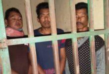 Photo of Kondisi Ketiga Tersangka Pencuri Kulit Manis di Sel Polsek GNK