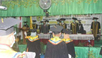 Photo of Wisuda Mahasiswa STIE SAK ke-17 Berjalan Lancar