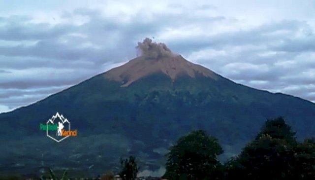 Photo of BPBD: Status Gunung Kerinci Waspada