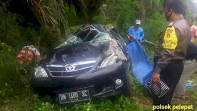 Photo of Laka Lantas Avanza Terguling di Pelepat