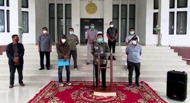 Photo of Jam Kerja ASN di Muarojambi Dibagi Terkait Belasan ASN Terkonfirmasi Positif Covid-19