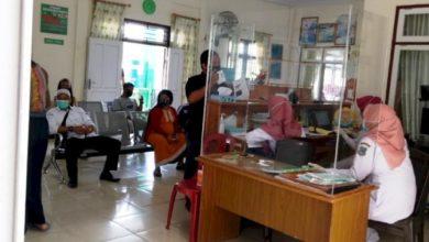 Photo of Satu Tenaga Kesehatannya Positif Corona, Puskesmas di Kualatungkal Tetap Buka Pelayanan