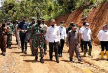 Photo of Kunjungan Brigjen M. Zulkifli di Lokasi TMMD Sungai Langkap