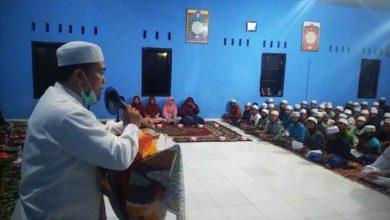 "Photo of Balas Jasa HBA Pimpinan Ponpes Darul Aufa ""Ajak"" Dukung Al Haris"